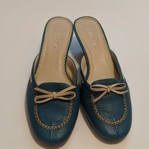Mules Teal Leather Unisa 8 B Beige Bow Accent EUC